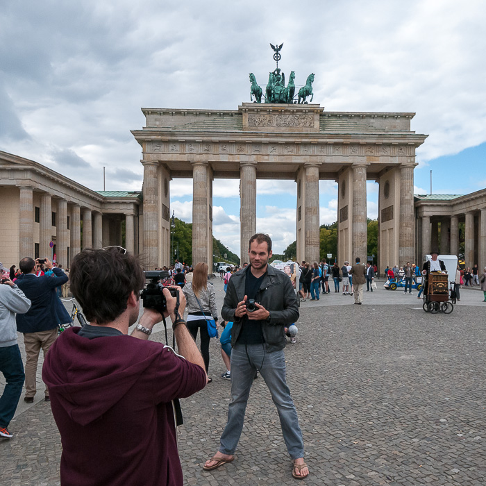Making of: Video shoot for a camera review in front of Brandenburg Gate.
