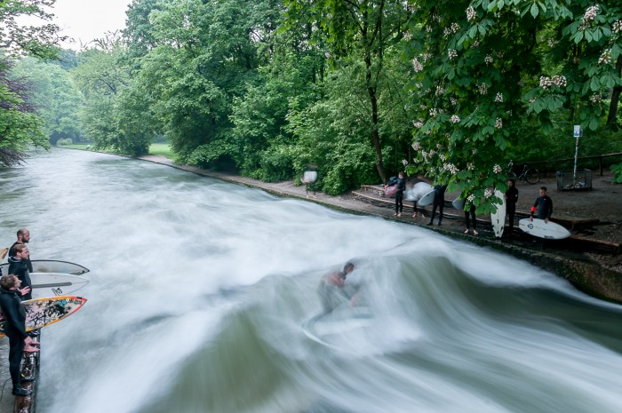 Surfer's paradise at Eisbach in the City of Munich